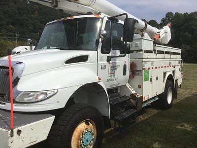 10-16 BSCTC bucket truck.jpg