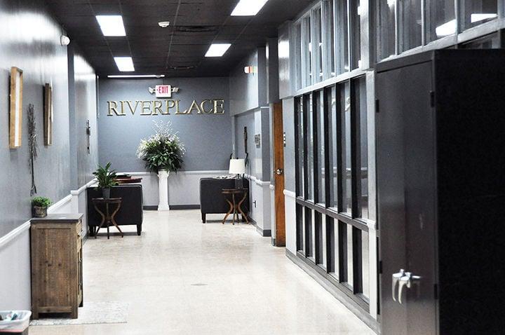 8-10 Riverplace 2.jpg