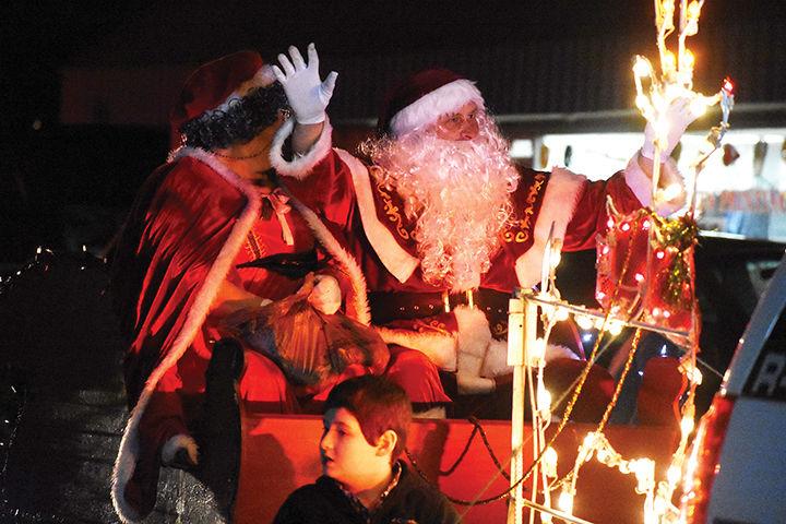 Elkhorn Christmas Parade 2020 Elkhorn City's Women's Club hosts annual Christmas parade | News