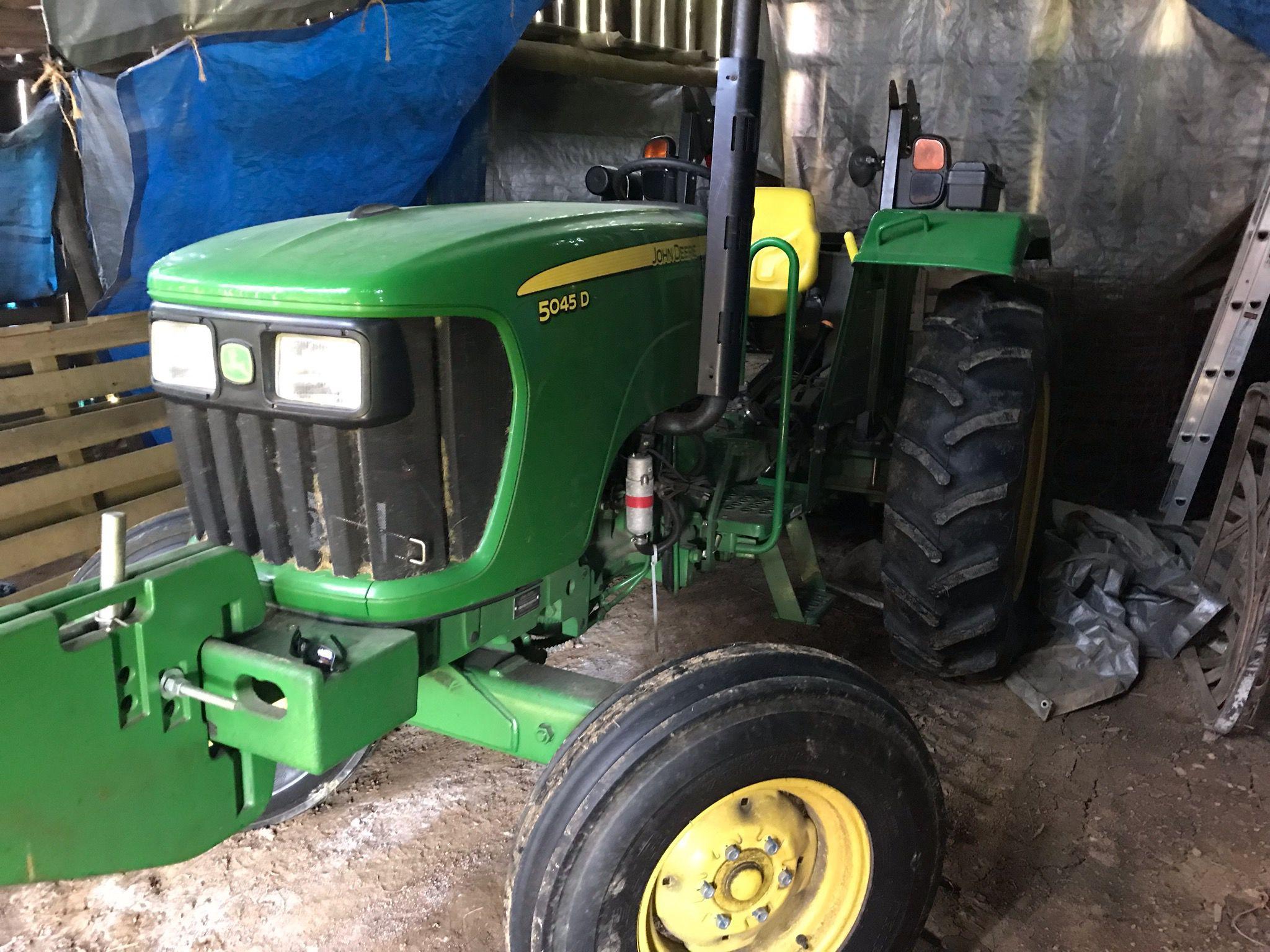2014 John Deere 5045D tractor. image 1