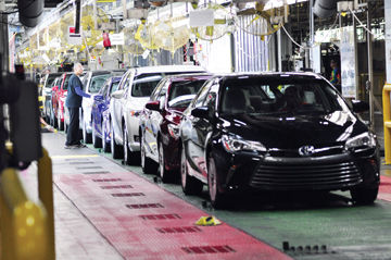Toyota Motor Manufacturing, Kentucky Team Members Check Camry And Venza  Vehicles As They Go From The Final Steps Of The Assembly Line To Prepare  For ...