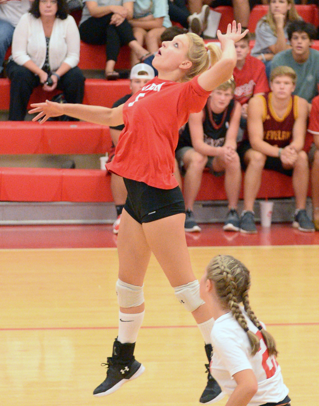 Volleyball teams at midway point