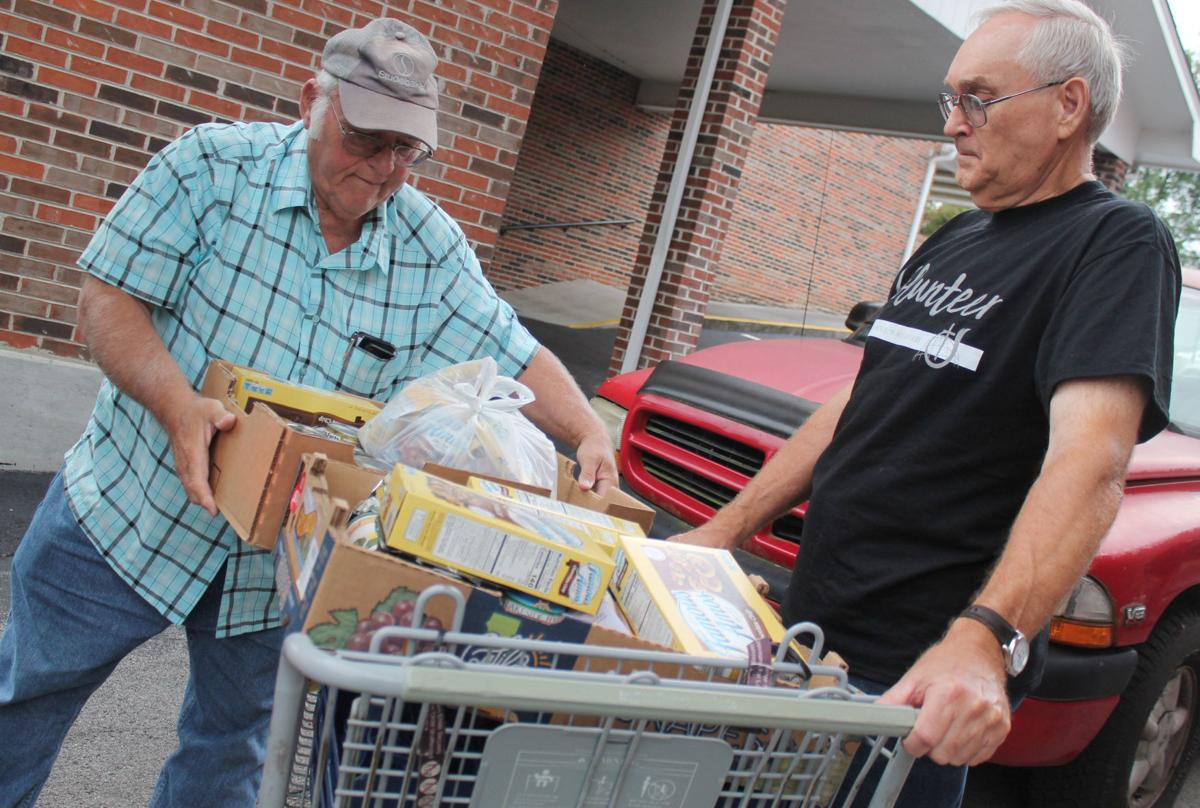 Sixth Avenue distributes food