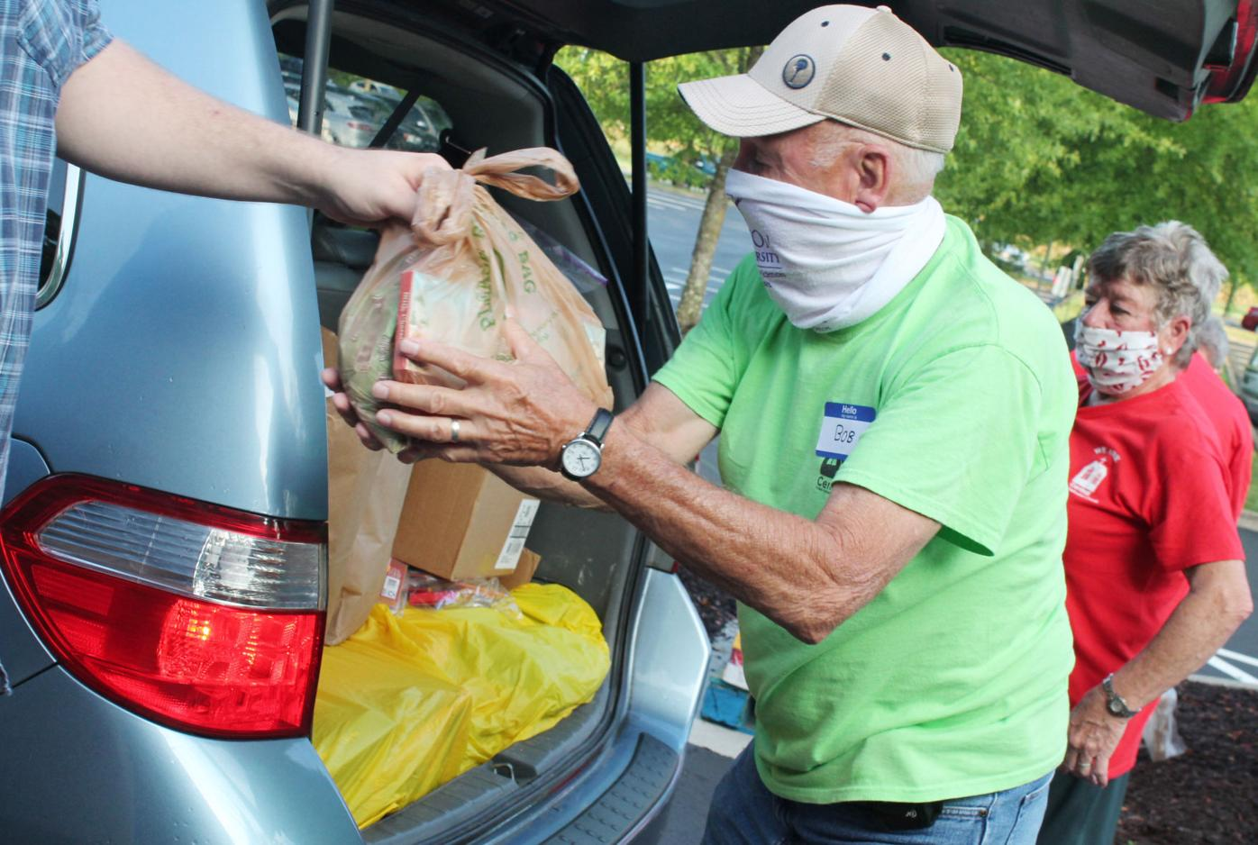 Churches host mobile food pantry