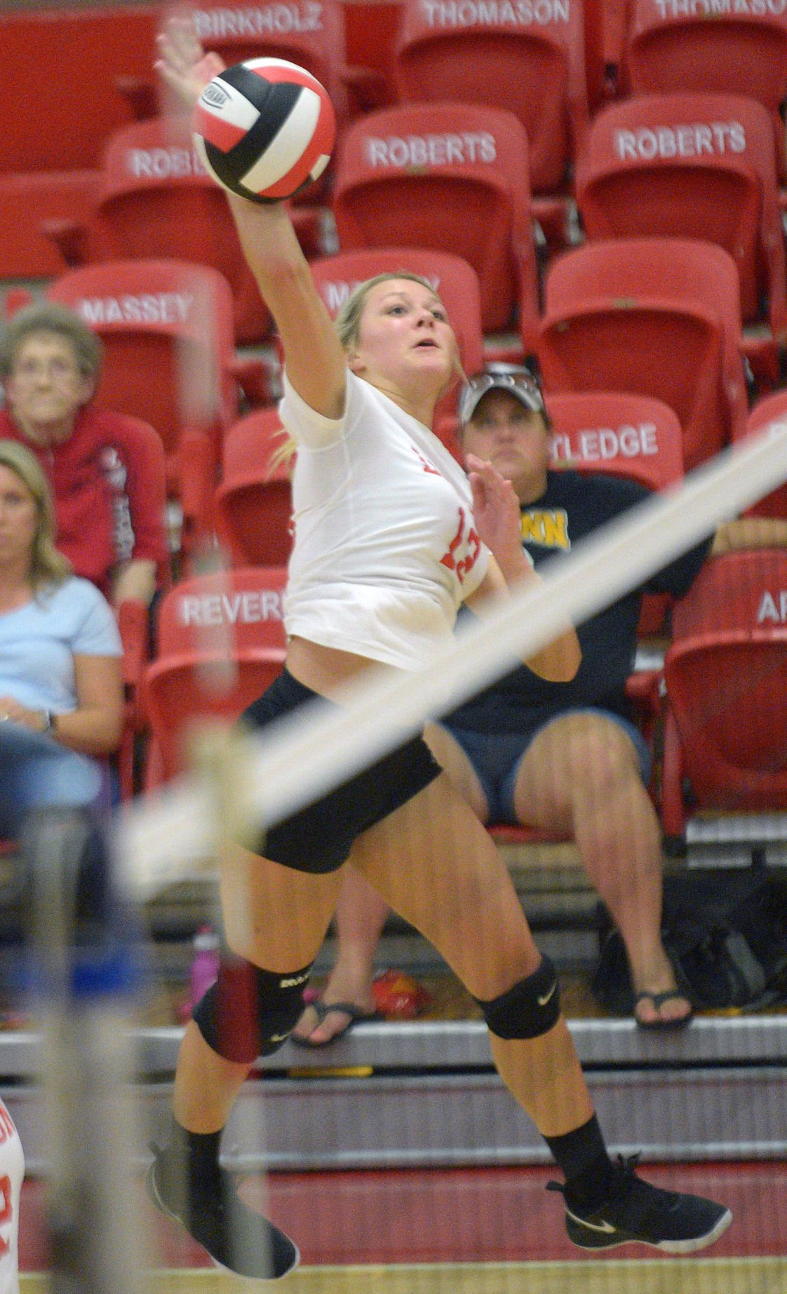 Lady Redskins Fall To McMinn County