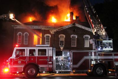 Loudon County Courthouse catches fire