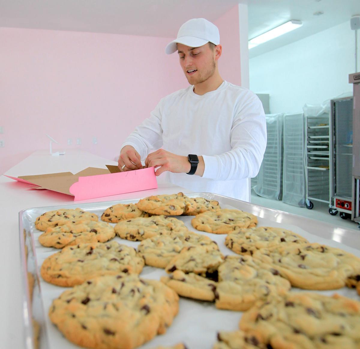 Crumbl Cookies MAIN