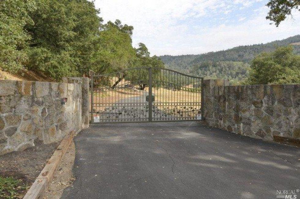 2 Bedroom Home in Calistoga - $2,295,000