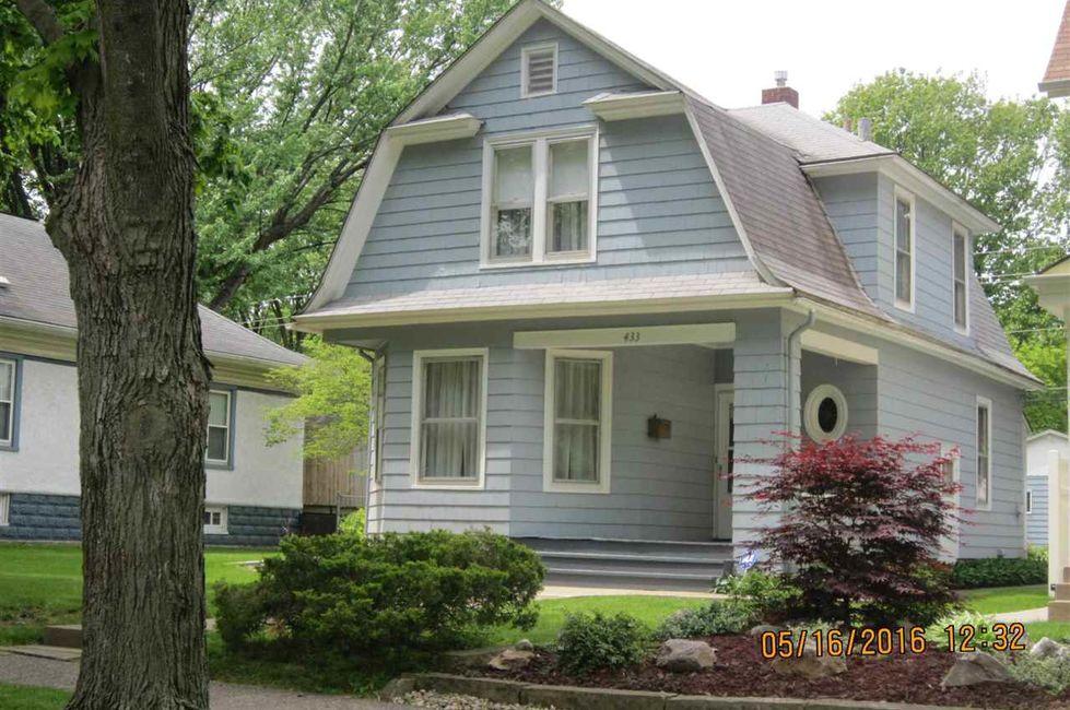 3 Bedroom Home in Moline - $84,900