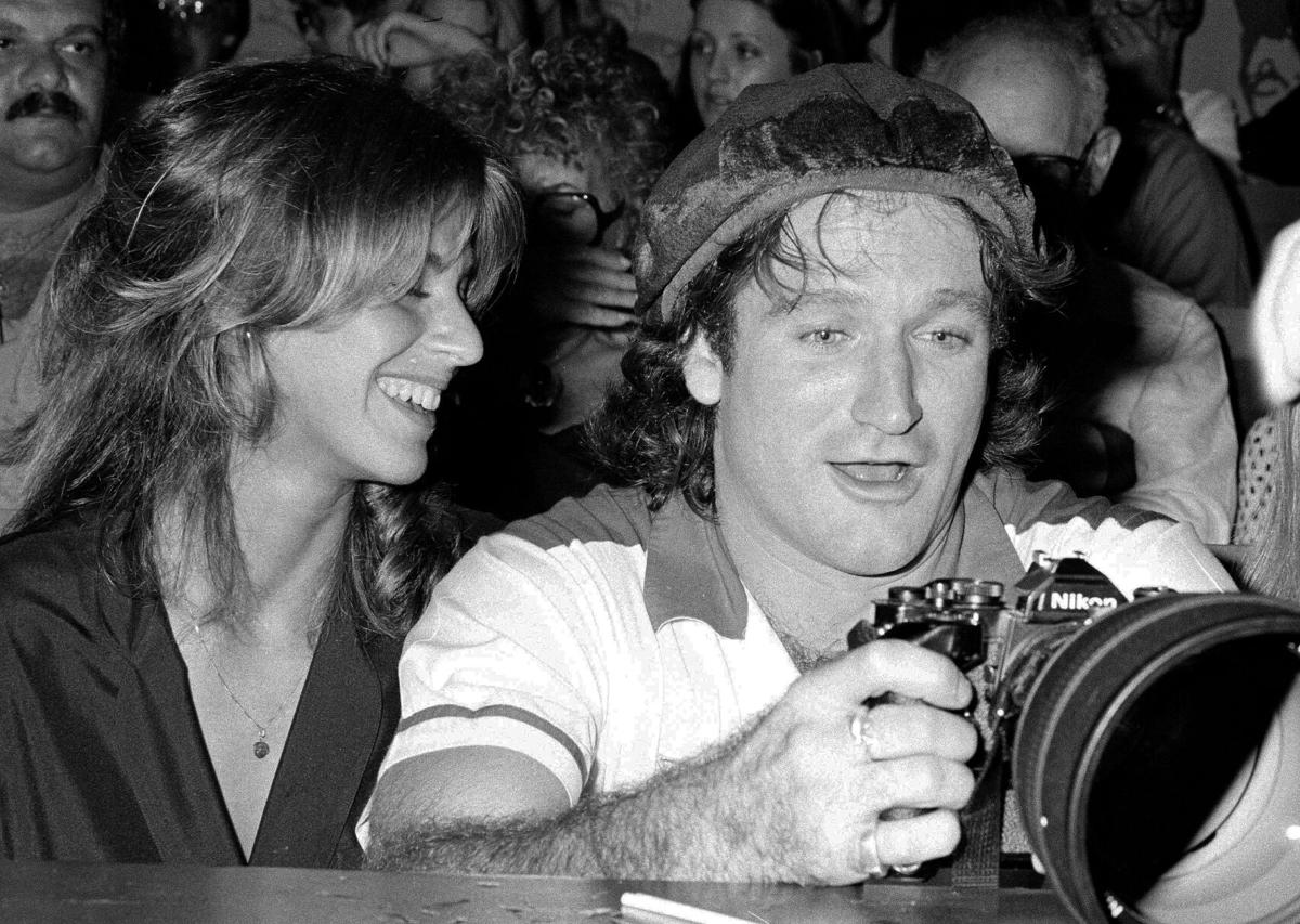 Photos Remembering Robin Williams On The 6th Anniversary Of His Death Entertainment News And Reviews News Lee Net Come inside my mind (2018) and the 36th annual golden globes awards (1979). photos remembering robin williams on