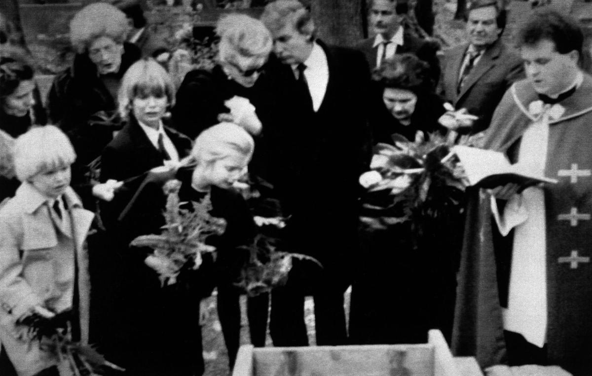 1990: Eric, Donald Jr., and Ivanka Trump