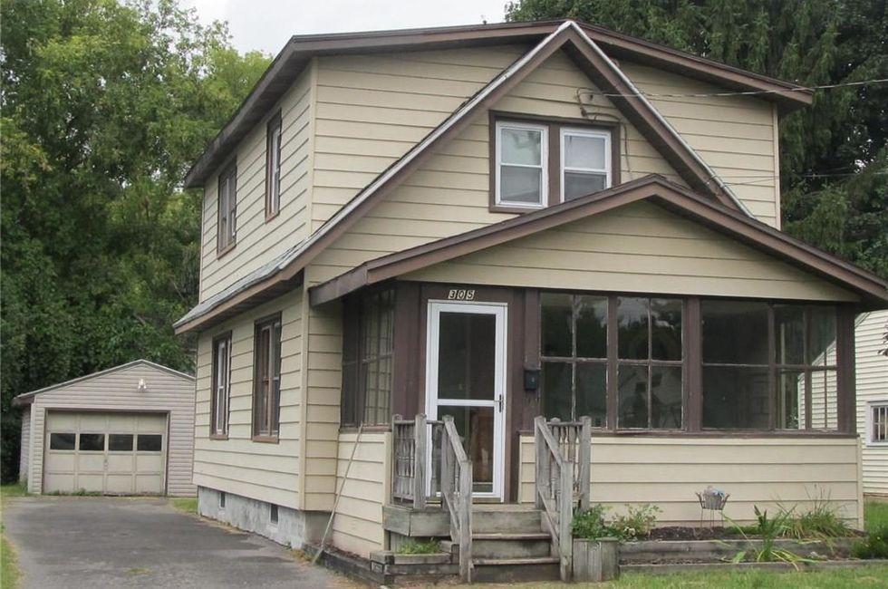 3 Bedroom Home in Salina - $76,000