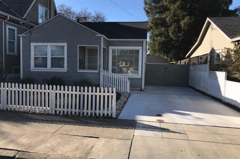2 Bedroom Home in Napa - $2,500