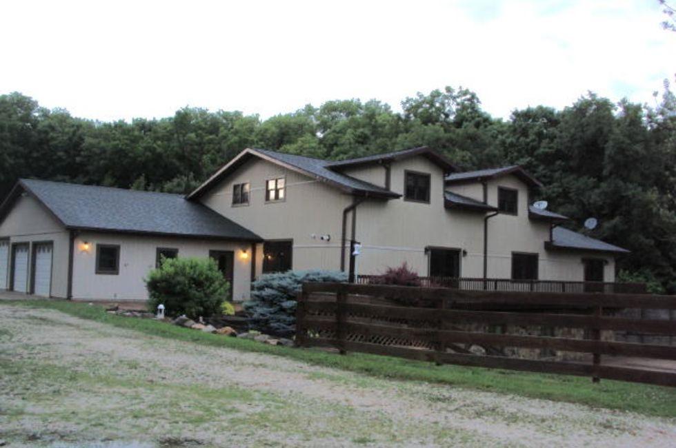 6 Bedroom Home in Cambridge - $288,900 - 3680 Sqft