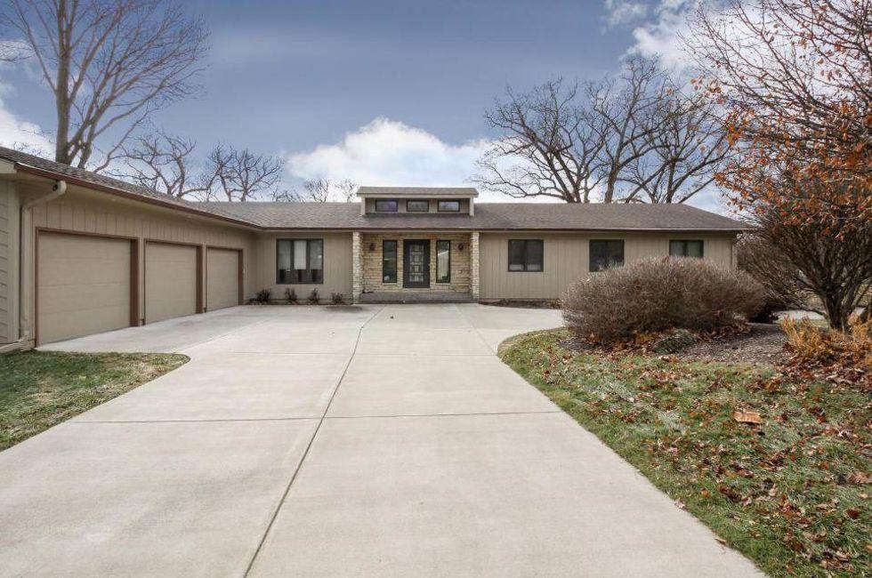 5 Bedroom Home in Bettendorf - $519,900