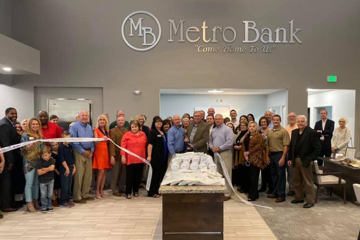 Moody Metro Bank Ribbon Cutting_300res.jpg