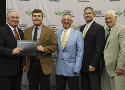 St. Clair County Student Receives Ag Foundation Scholarship
