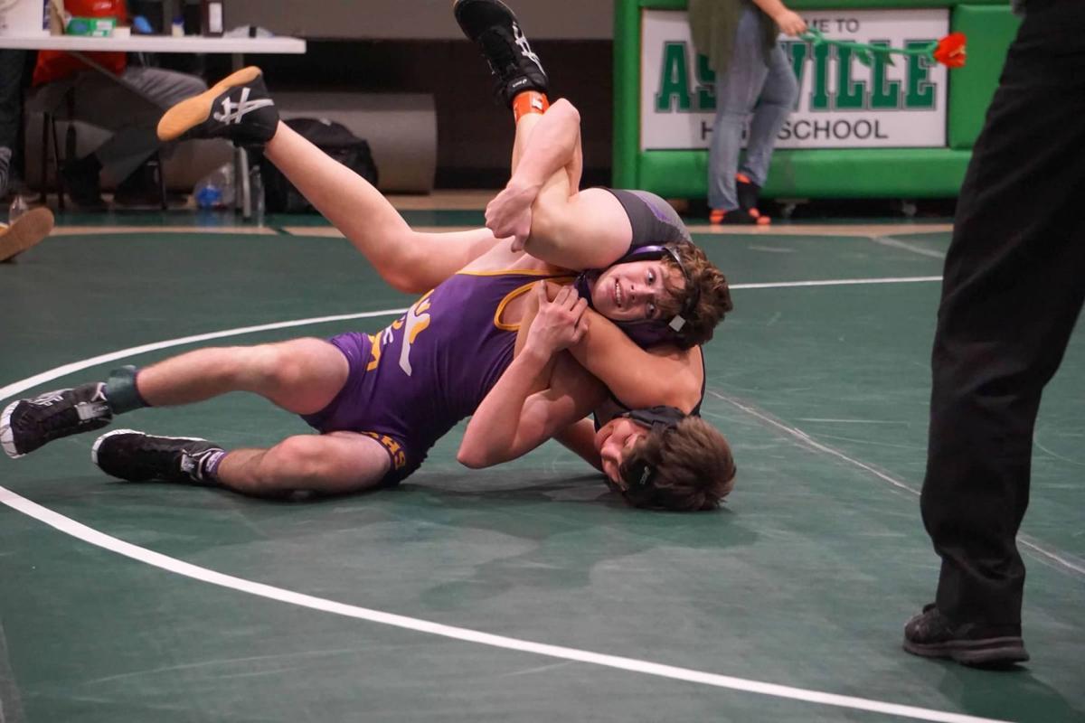SHS wrestling.jpg