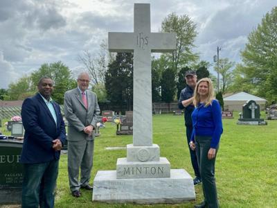 Sherman Minton grave