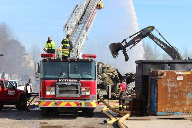 Explosion Fire At Thomas Plastics In Scottsburg Injures One News Newsandtribune Com