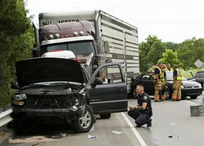 Wreck closes I-64 east near New Albany | Local News | newsandtribune com