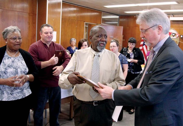 Seay-ing goodbye: Floyd County probation officer retires