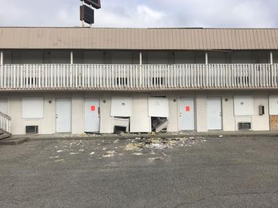 Roof of former Dollar Inn in Clarksville caves in | News