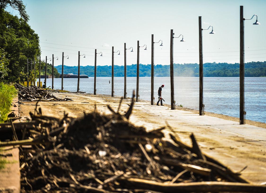 Jeff riverfront cleanup-2.jpg