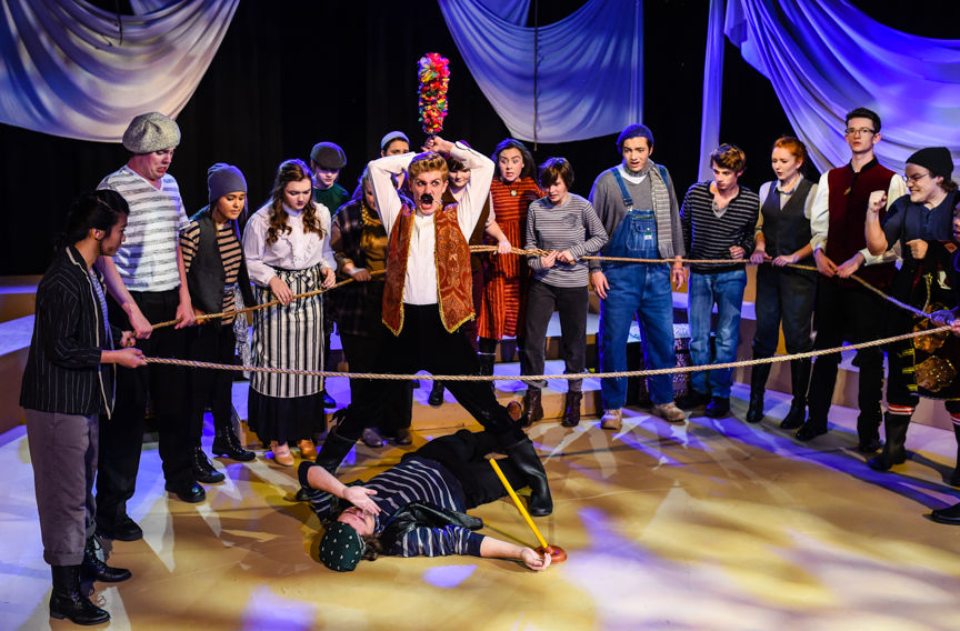 Peter and the Starcatcher-1