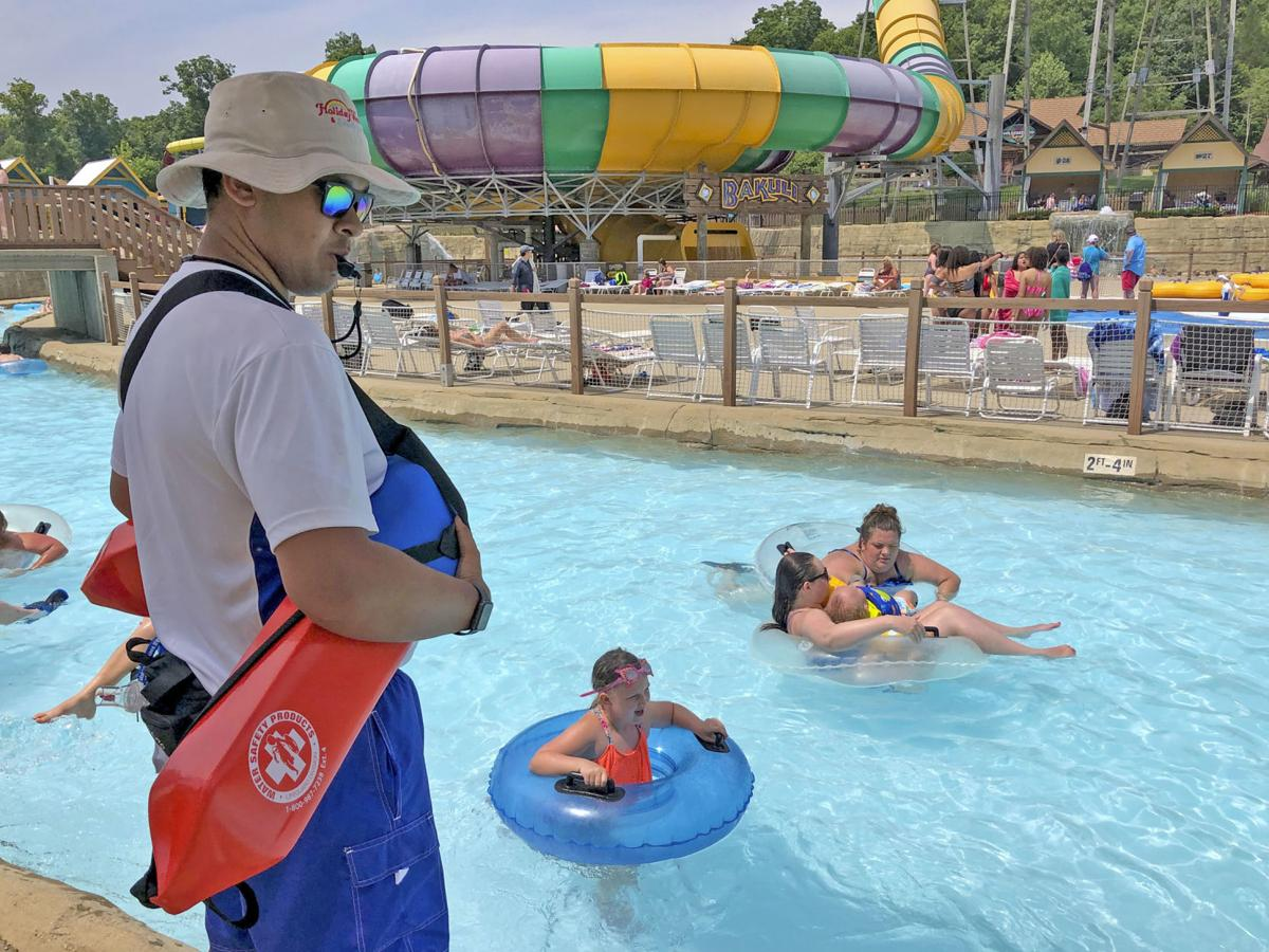NWS GN0608 holiday world lifeguard 01.jpg