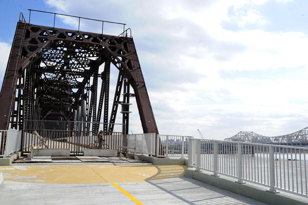 02_26_big4_walking_bridge_01w.jpg