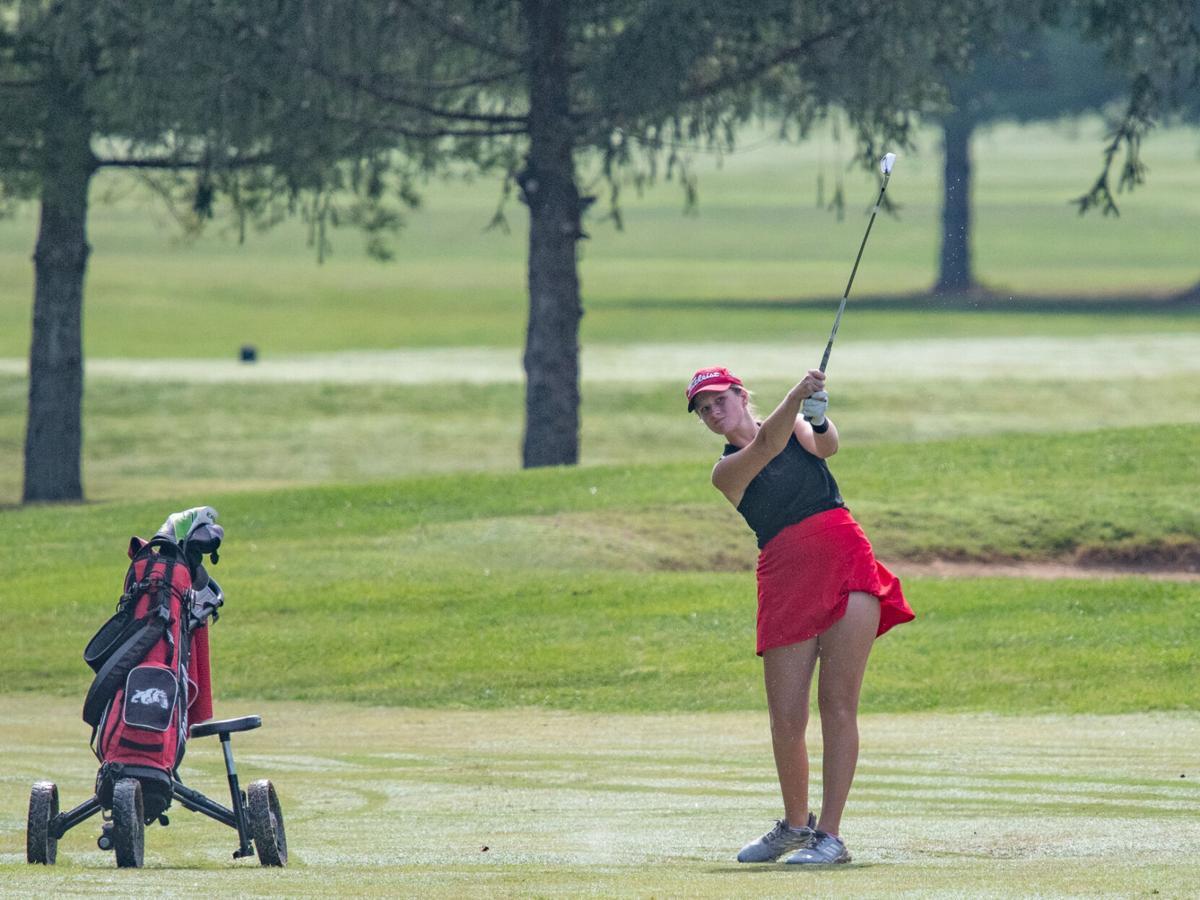 9-18-21_Girls_Golf_Sectional_13891.jpg