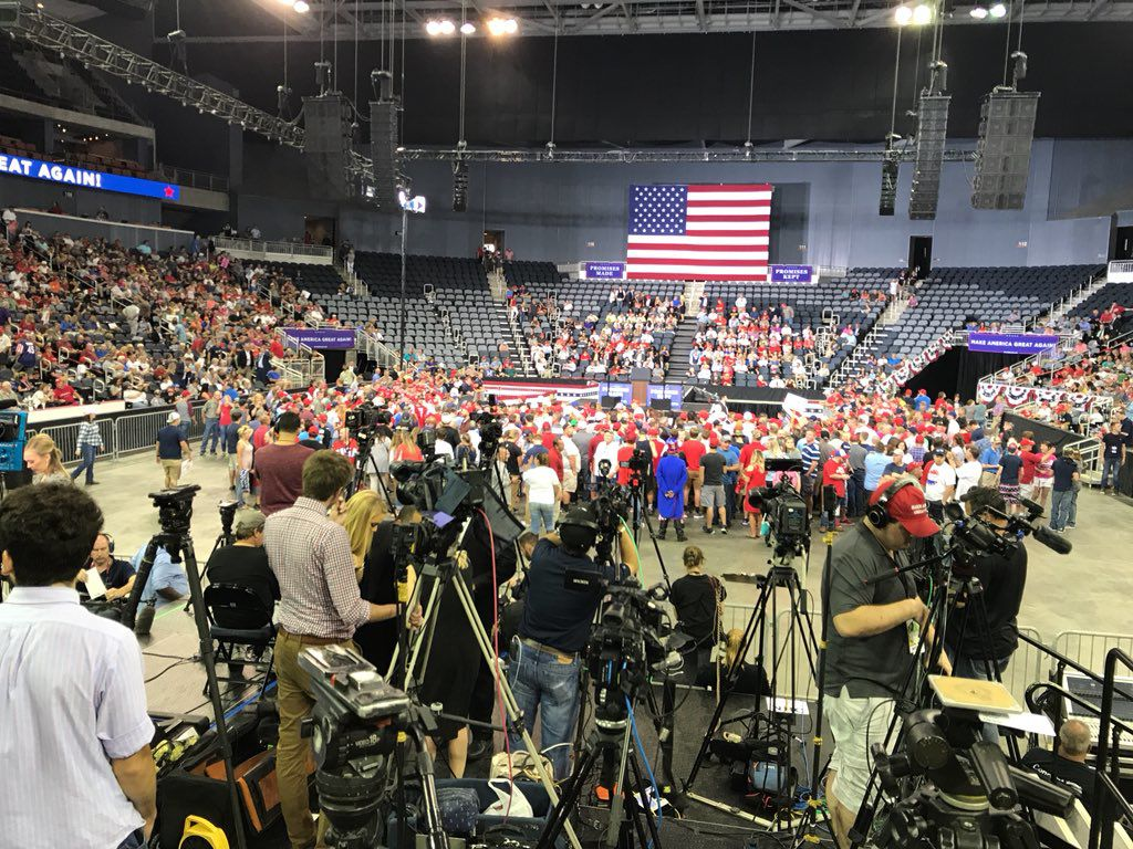 Trump in Evansville 1