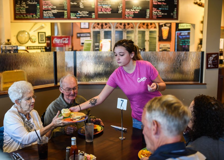Some Southern Indiana Restaurants Struggle To Find Workers In