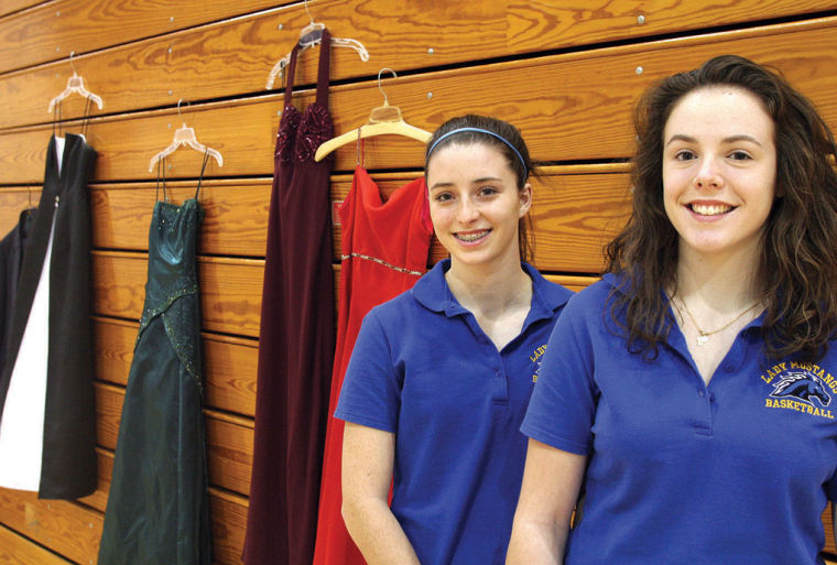 Clark County 4-H junior leaders collecting prom dresses, suits ...