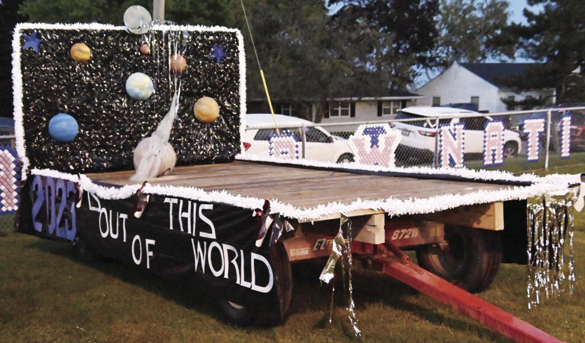 Iroquois West_Football_Homecoming_Class Floats 2.jpg