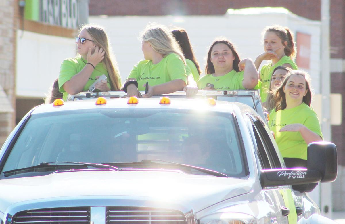 Softball Parade Pic 1.jpg