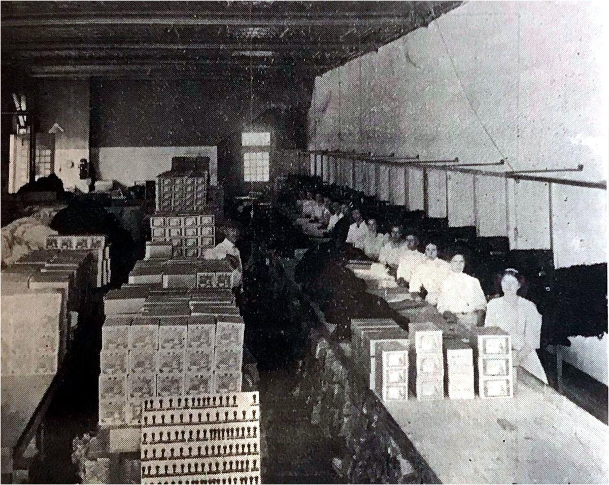Thread mill interior