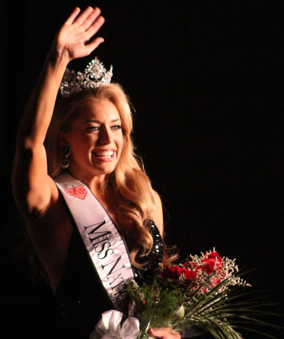 Leinbach wins National Sweetheart Pageant