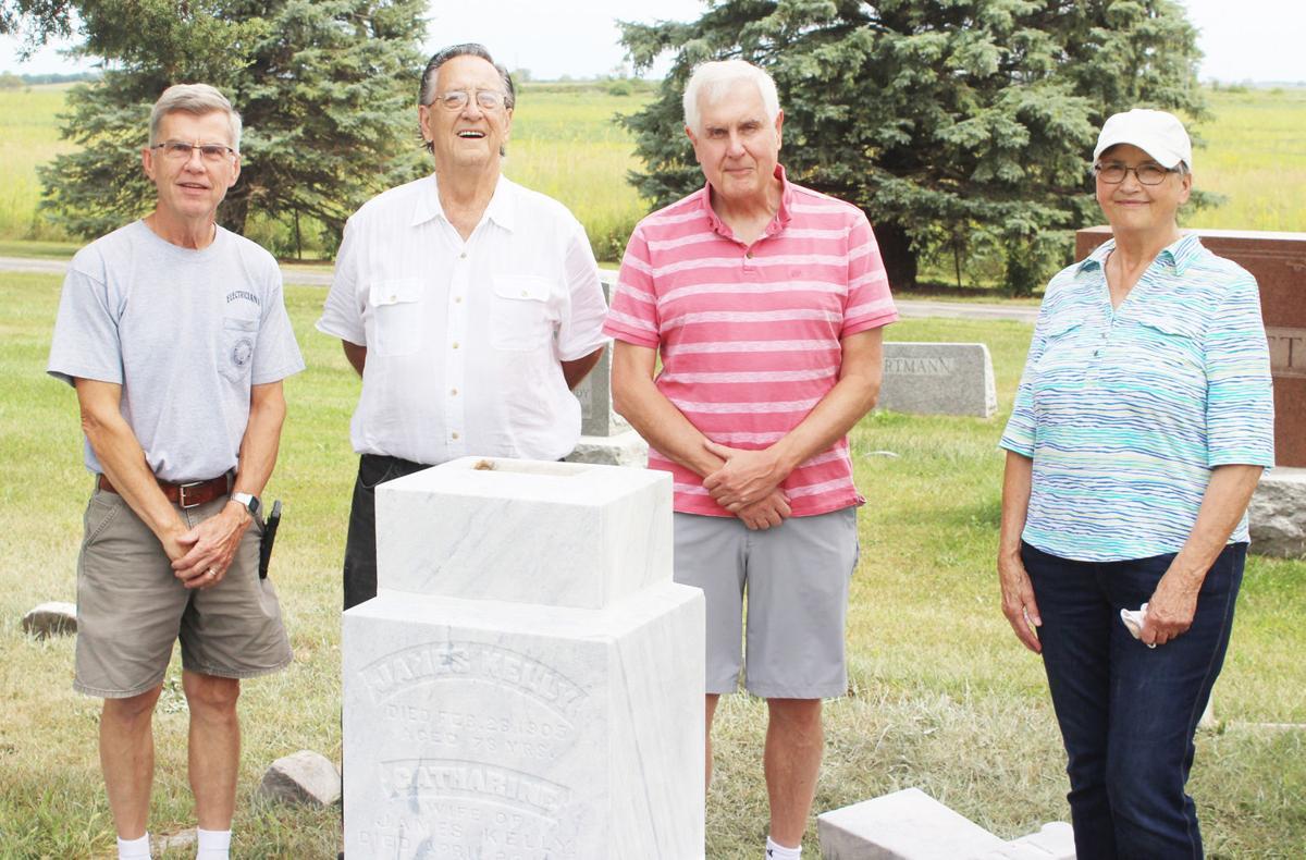 Loda Cemetery Pic 1.jpg