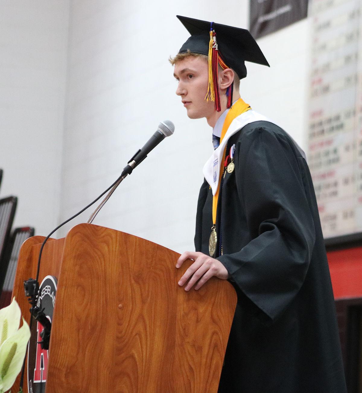 Geleott provides salutatorian speech