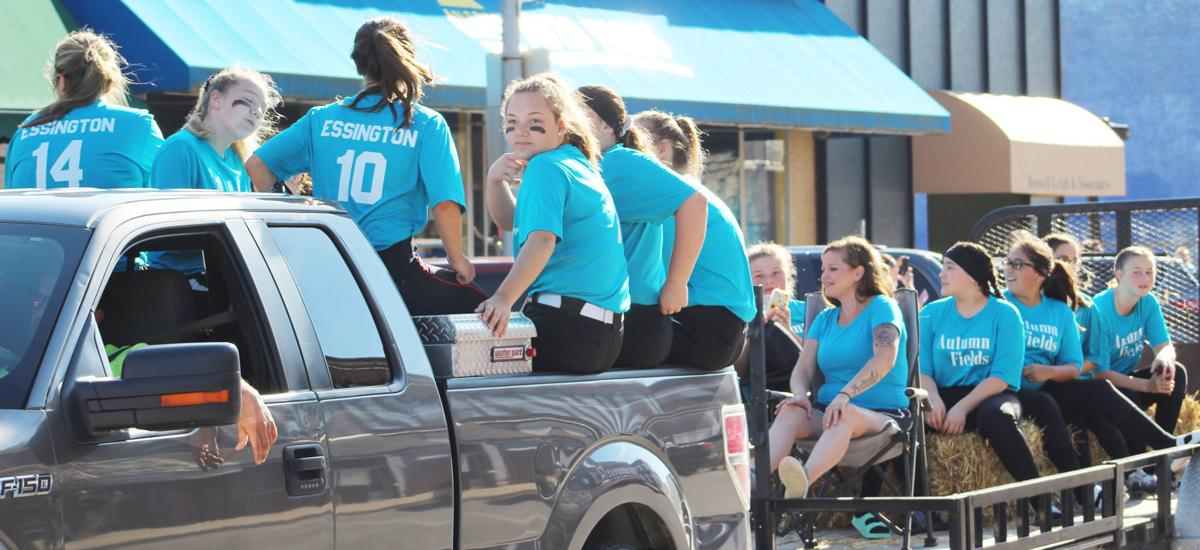Softball Parade Pic 2.jpg