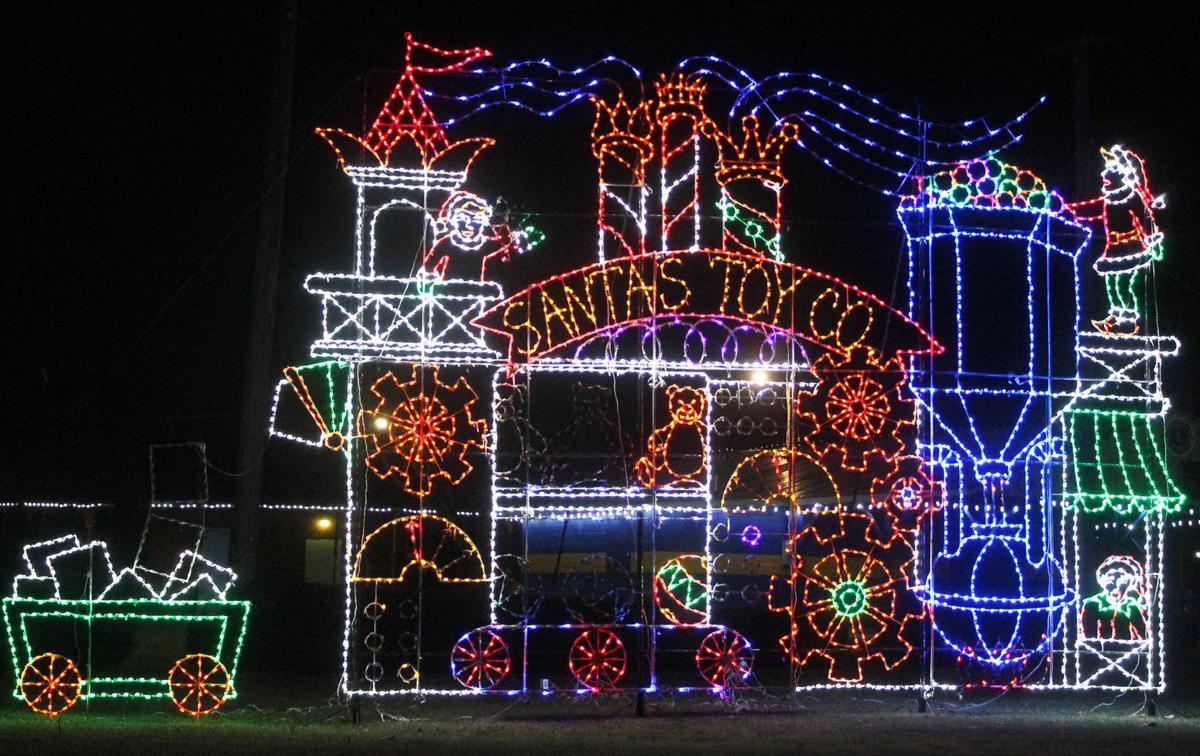 Christmas Lights Pic 1.jpg