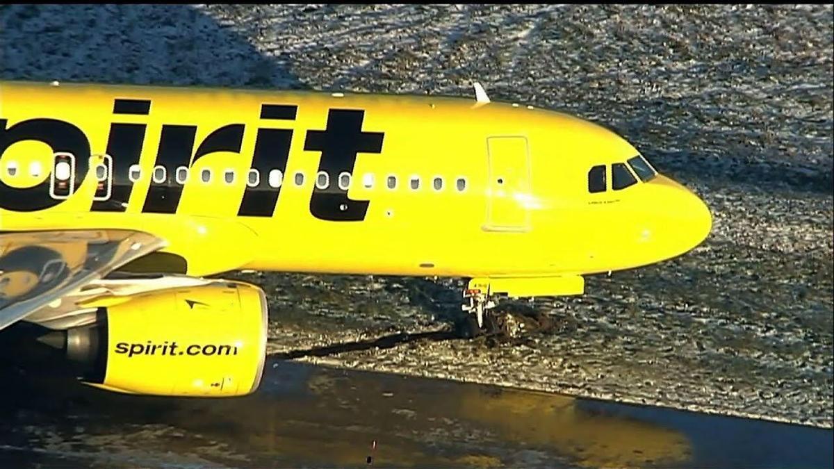 Spirit jet skids off BWI taxiway after landing | | newsbug.info