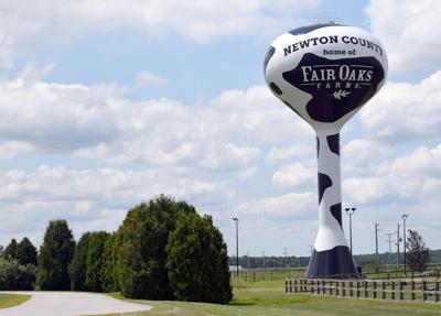 Fair Oaks Farm water tower