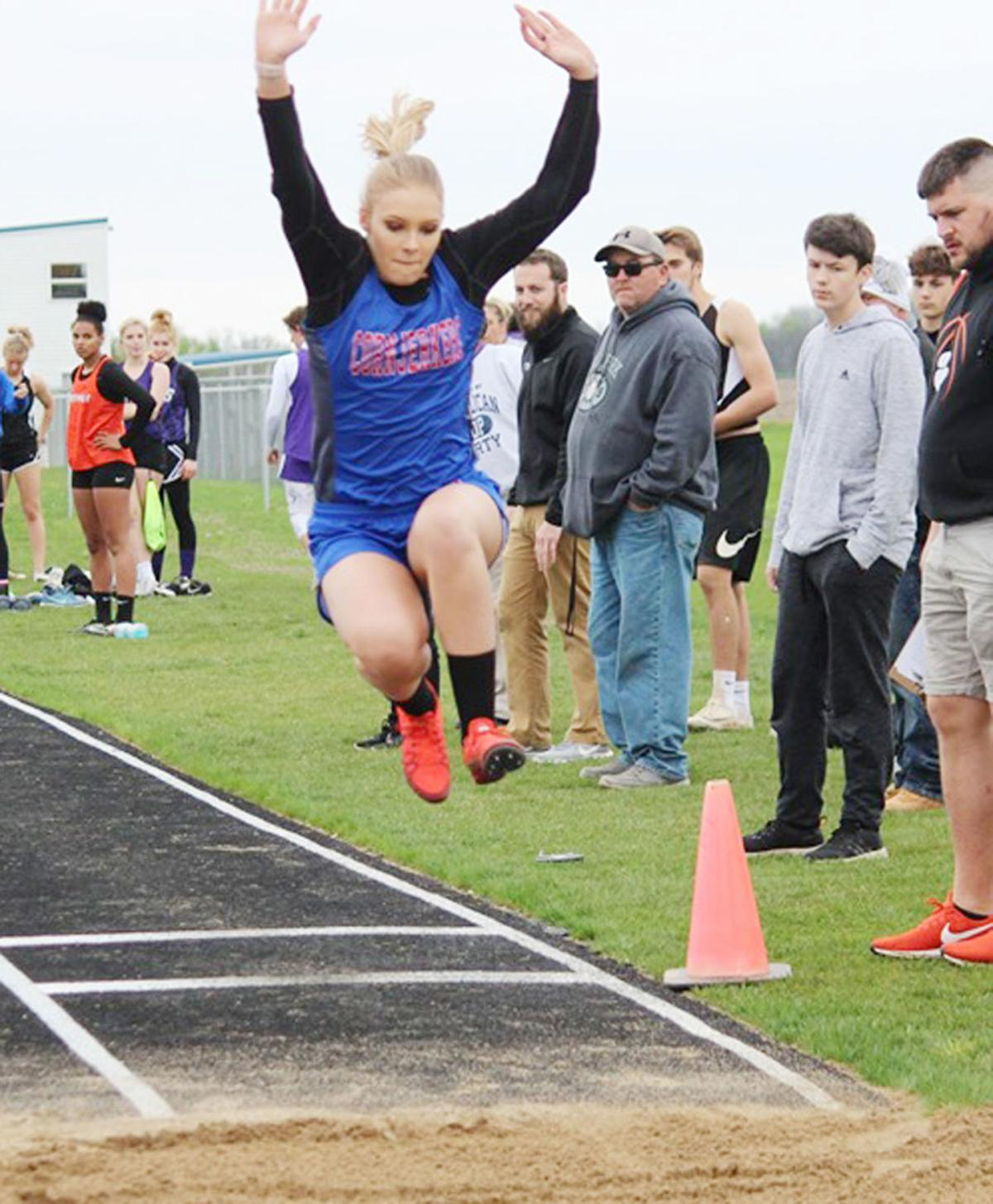 Hoopeston Area High School hosts county track meet