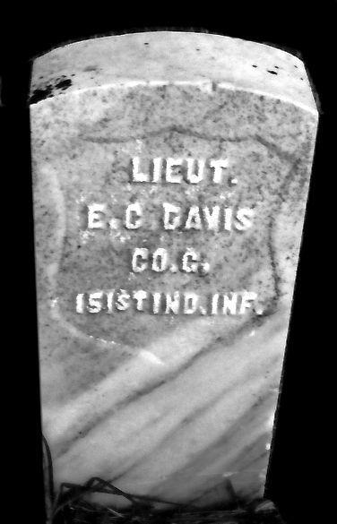 Lieutenant Elijah C Davis Stone Bunnell Cemetery Reynolds.jpg