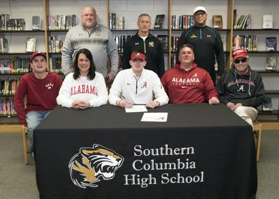 Hollenbach signs with Alabama