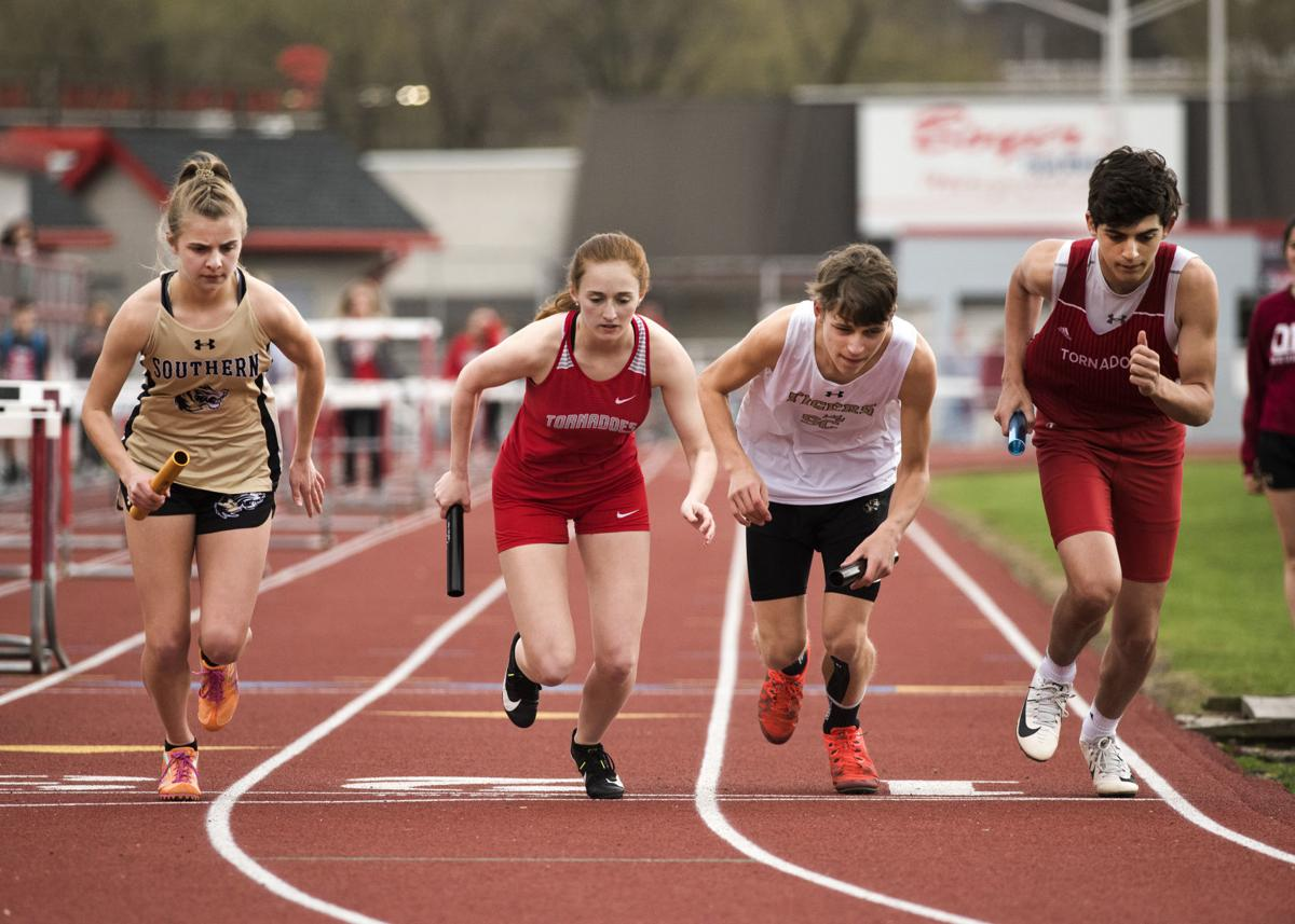 H.S. Roundup: Mount Carmel versus Southern track
