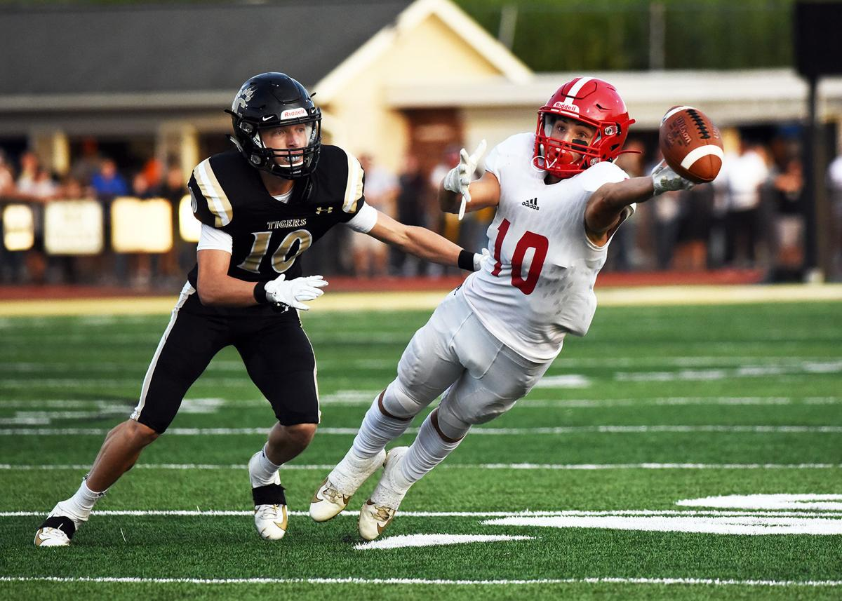 Southern Columbia routs Mount Carmel